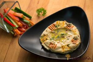 Humus with Fresh Vegetables