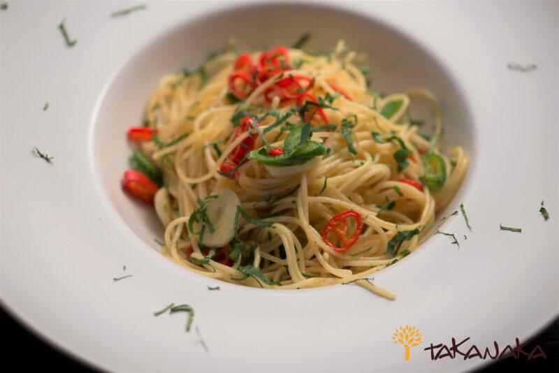 Spaghetti with Garlic Chilli Oil